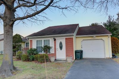 Monmouth County Adult Community For Sale: 67 Jaffreyton Close #1000
