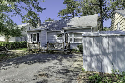 Brick Single Family Home For Sale: 691 Mantoloking Road