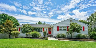 Freehold Single Family Home For Sale: 324 Bennington Road