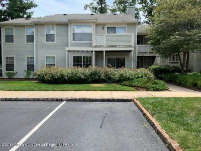 Howell Condo/Townhouse For Sale: 562 Applewood Court