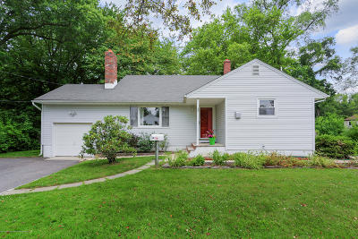 Holmdel Single Family Home For Sale: 13 Woodland Road