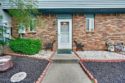 Howell Condo/Townhouse For Sale: 2 Eagle Court #1000