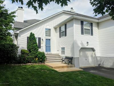 Wall Condo/Townhouse For Sale: 43 Racquet Road