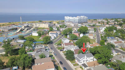 Keansburg Single Family Home For Sale: 68 Seabreeze Way