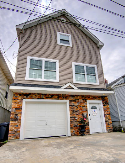 Keansburg Single Family Home Under Contract: 41 Hill Street