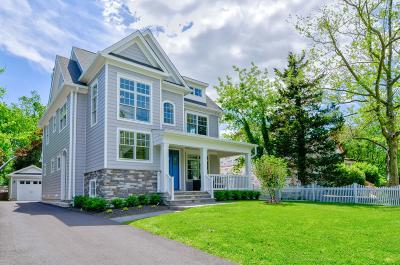 Rumson Single Family Home For Sale: 27 E River Road