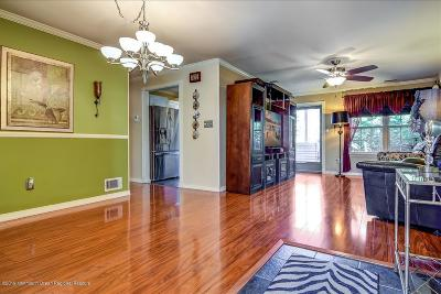 Howell Condo/Townhouse For Sale: 467 Magnolia Court