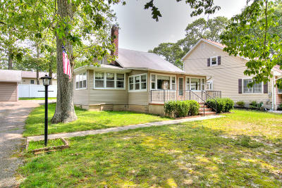 Toms River Single Family Home For Sale: 323 Anthony Avenue