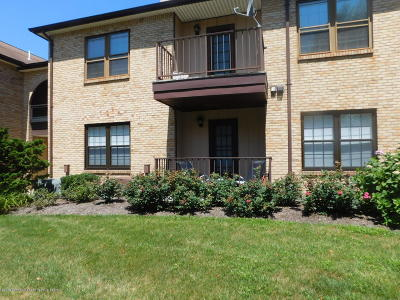 Aberdeen NJ Condo/Townhouse For Sale: $194,900