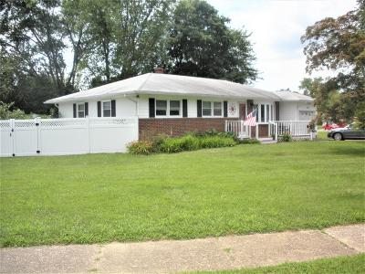 Ocean County Single Family Home For Sale: 202 Rivercrest Drive