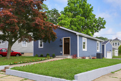 Monmouth County Single Family Home For Sale: 32 Drummond Avenue