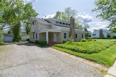 Monmouth County Single Family Home For Sale: 1111 Lakewood Road
