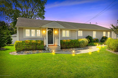 Brick Single Family Home For Sale: 221 Heron Road