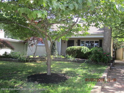 Single Family Home For Sale: 146 Riverside Drive