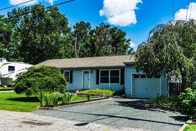 Ocean County Single Family Home For Sale: 19 Spinnaker Way