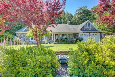 Monmouth County Single Family Home For Sale: 4 Somerset Place