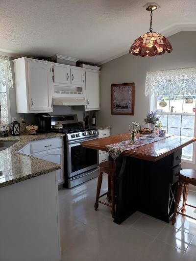 Holmdel Single Family Home For Sale: 262 Lane C