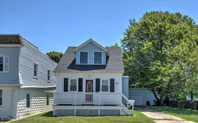 Middletown Single Family Home For Sale: 364 Port Monmouth Road