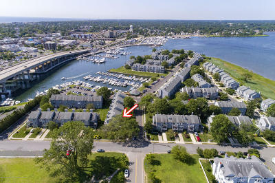 Neptune City, Neptune Township Condo/Townhouse For Sale: 104 Sea Spray
