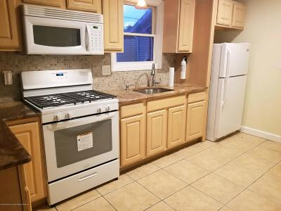Keansburg Single Family Home For Sale: 19 Lincoln Court