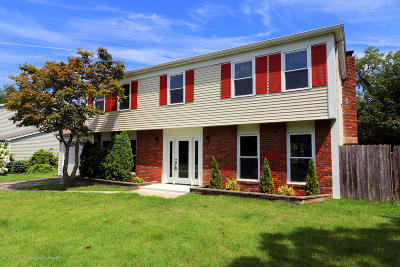 Toms River Single Family Home For Sale: 108 Walchest Drive