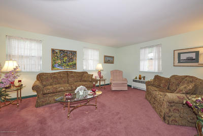 Monmouth County Condo/Townhouse For Sale: 136 Manor Drive