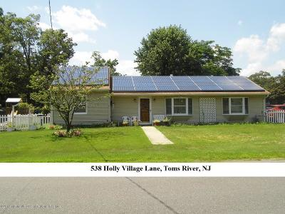 Toms River Single Family Home For Sale: 538 Holly Village Lane