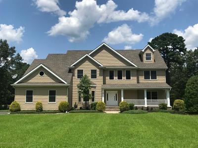 Howell Single Family Home For Sale: 4 Hummingbird Court