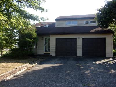 Brick Single Family Home For Sale: 844 Constitution Drive
