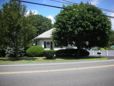 Morganville Single Family Home For Sale: 102 Tennent Road