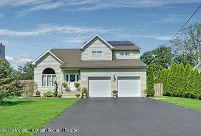 Toms River Single Family Home For Sale: 124 Pine Needle Drive