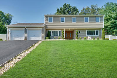 Morganville Single Family Home For Sale: 7 Calgary Circle