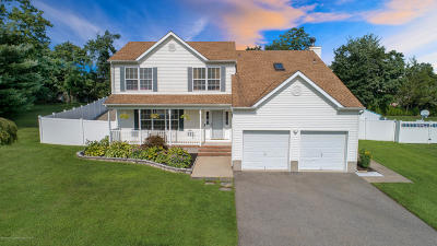 Toms River Single Family Home For Sale: 1675 Copperfield Lane