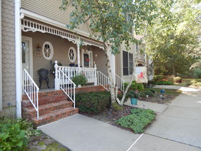 Holmdel Condo/Townhouse For Sale: 115 Northampton Drive
