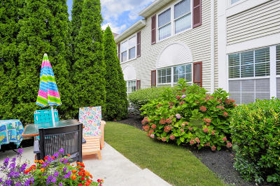 Wall Condo/Townhouse For Sale: 1 Racquet Road