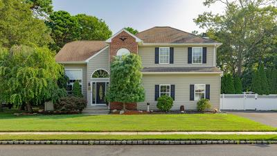 Manchester Single Family Home Under Contract: 16 Ridgeview Drive