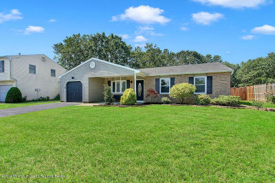 Brick Single Family Home Under Contract: 20 Bayberry Court