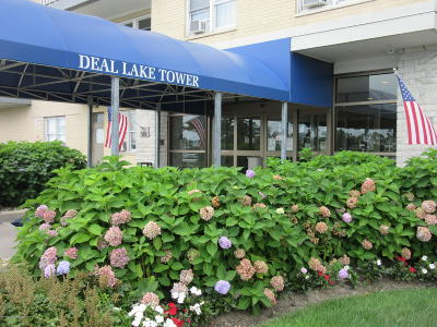 Asbury Park Condo/Townhouse Under Contract: 510 Deal Lake Drive #4D