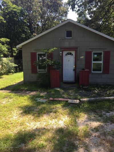 Toms River Single Family Home For Sale: 504 Barnegat Avenue