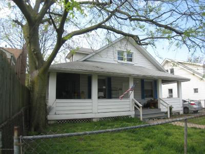 Keansburg Single Family Home For Sale: 95 Seabreeze Way