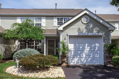 Freehold Condo/Townhouse For Sale: 2 Aspen Lane
