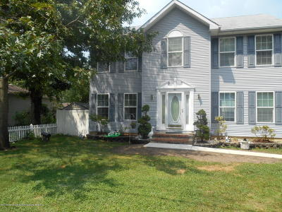 Manchester Single Family Home For Sale: 1041 6th Avenue