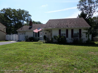Manchester Single Family Home For Sale: 2524 Holly Hill Road
