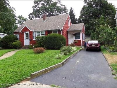 Middletown Single Family Home For Sale: 834 Andover Street