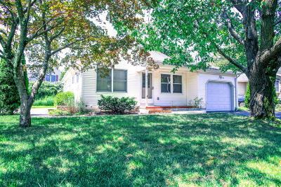 Brick Single Family Home For Sale: 81 Hilltop Drive