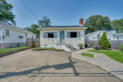 Brick Single Family Home For Sale: 20 Adair Drive