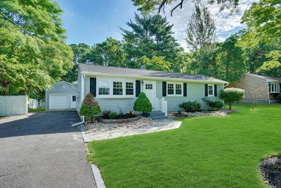 Toms River Single Family Home For Sale: 442 Irving Place