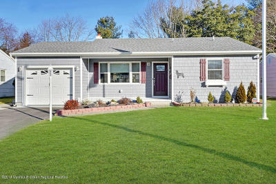 Toms River Adult Community For Sale: 889 Edgebrook Drive