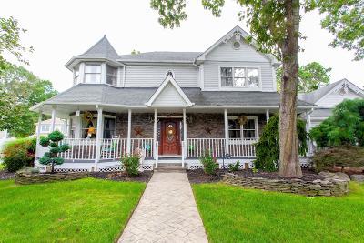 Monroe Single Family Home For Sale: 94 Anderson Avenue