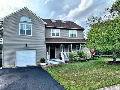 Brick Single Family Home For Sale: 576 Iowa Avenue